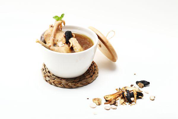 四物汤有三种做法,这次教做法炖味道这种排骨,因为女生比较不错,中药尚品锅锅菜怎么样图片